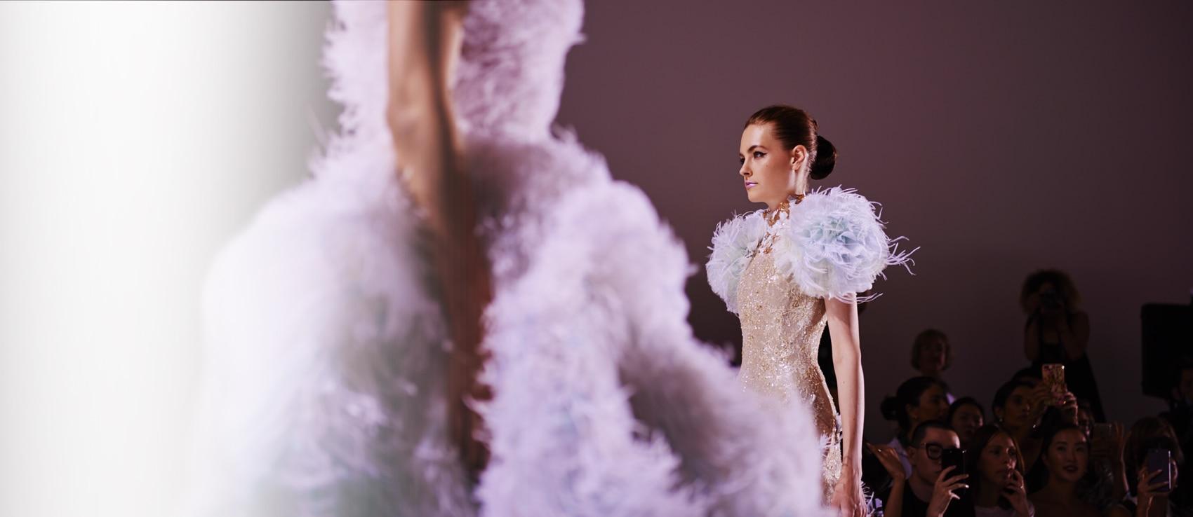 Backstage Ralph & Russo collection haute couture Automne-Hiver 2017-18 Fashion Week Paris | René Furterer