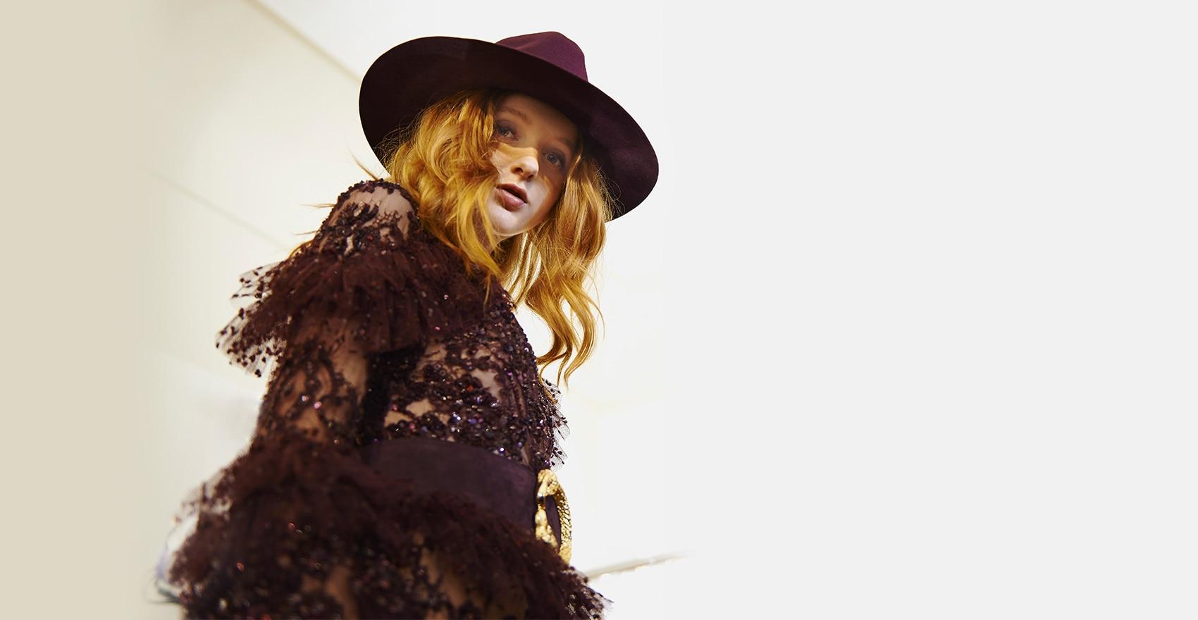 Backstage Zuhair Murad collection haute couture Automne-Hiver 2016 Fashion Week Paris coiffure naturelle | René Furterer