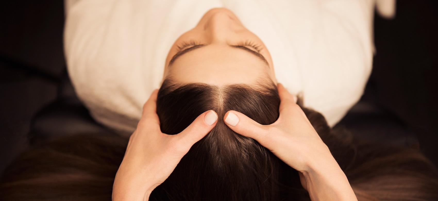 Institute Madeleine Paris hair massage relaxation | René Furterer